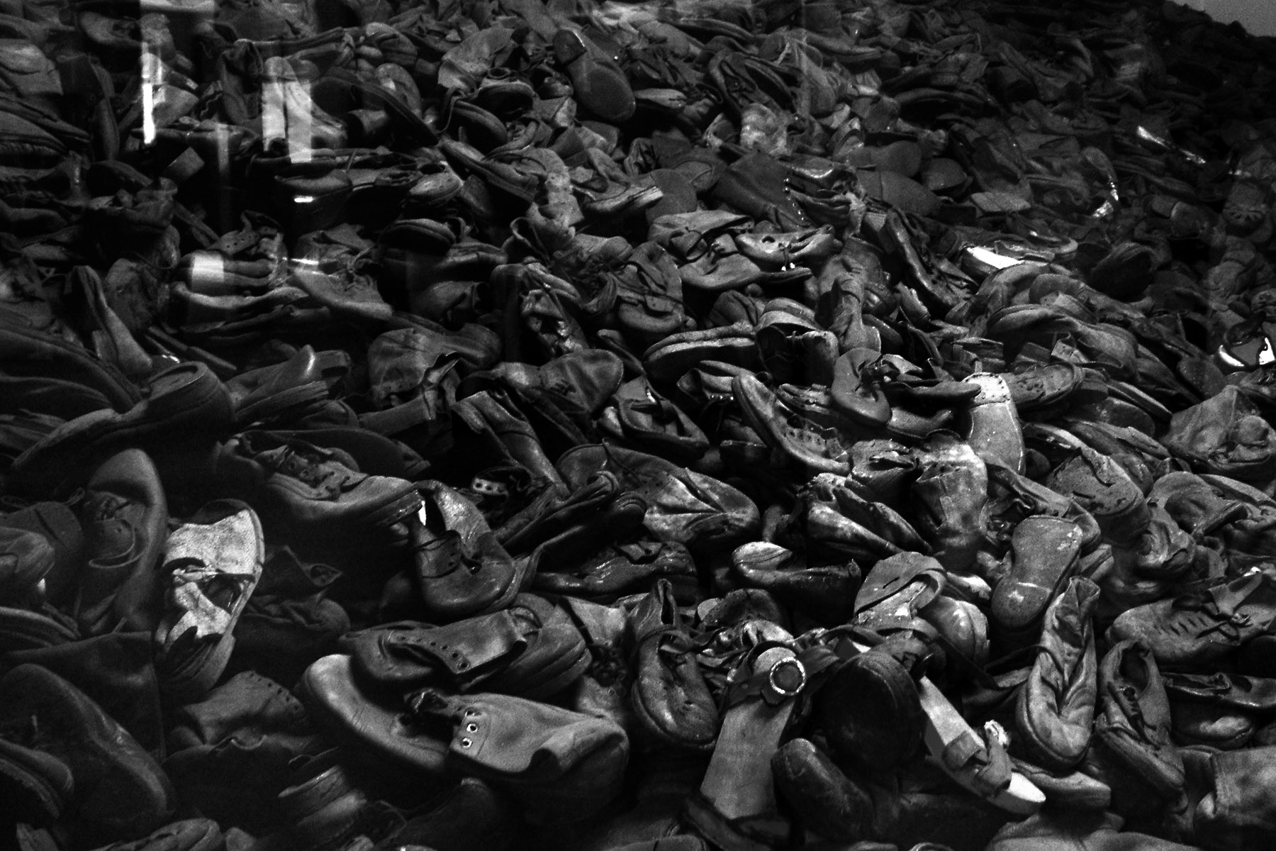 Auschwitz 1 – collection of footwear